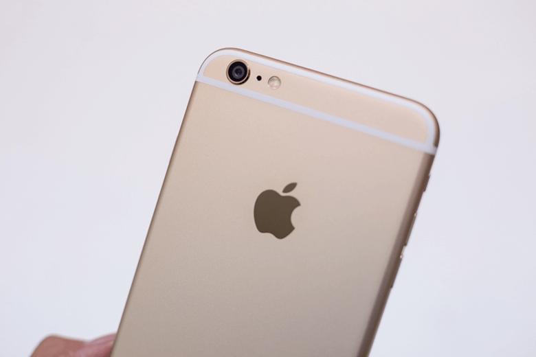Kiểm tra vỏ iPhone 6s Plus cũ nguyên bản – lỗ loa vát kim cương, màu sơn mịn và sáng